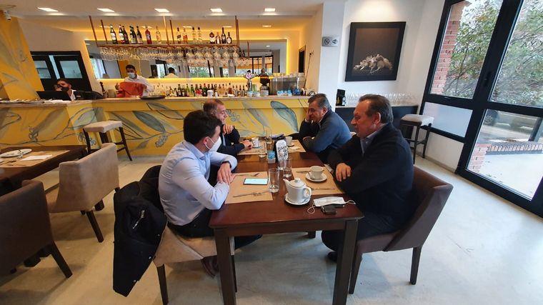 FOTO: Negri, Santos, Juez y De Loredo mantuvieron la primera reunión tras las PASO.