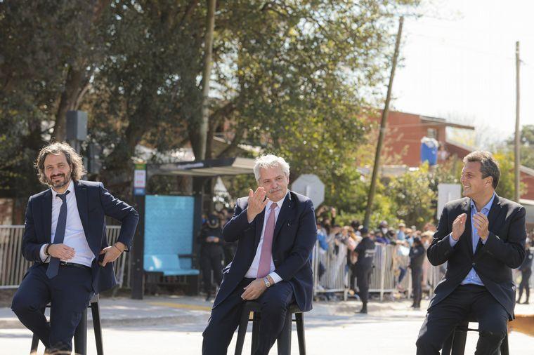 FOTO: El presidente Alberto Fernández junto a funcionarios e intendentes del Conurbano.