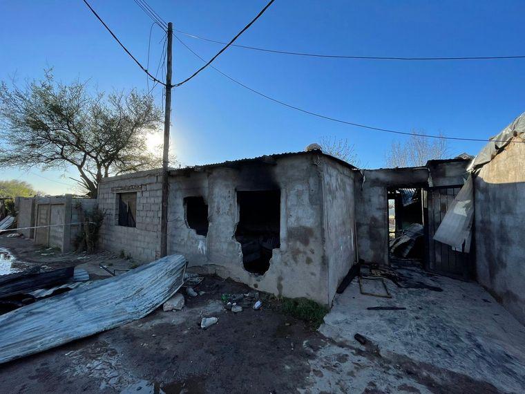 AUDIO: Rescatan a familia de su casa quemada en Córdoba: la niña de 2 años es la más grave