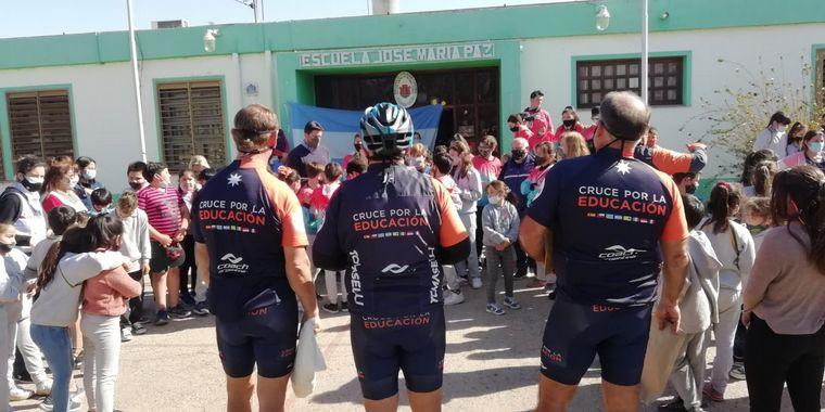 FOTO: Los ciclistas recorrieron ciudades del centro de Córdoba.
