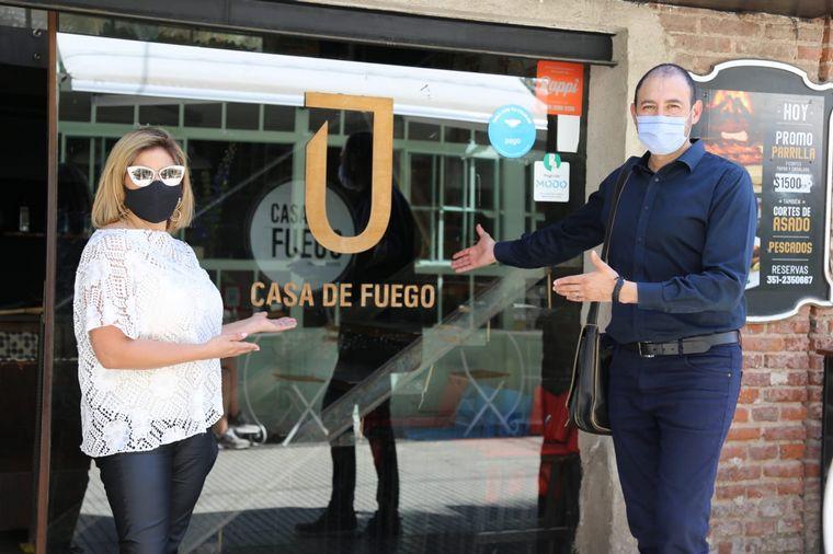 AUDIO: Viva la Radio transmite desde Casa de Fuego, en barrio Güemes.