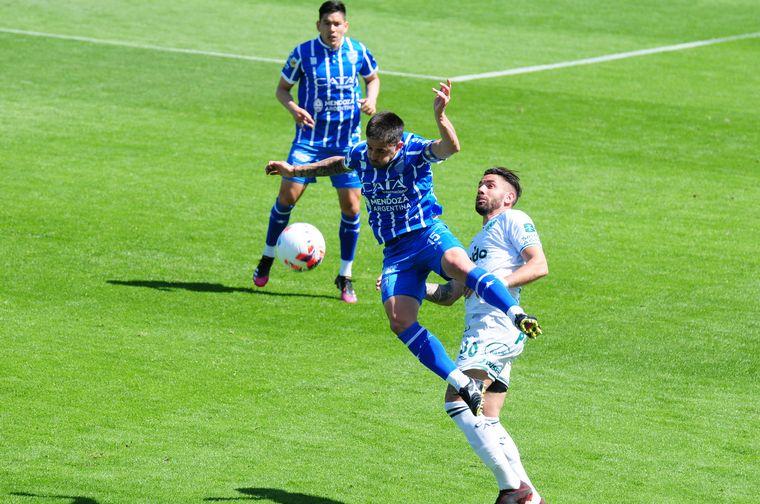 FOTO: En el descuento, Godoy Cruz se lo empató a Sarmiento 1-1.