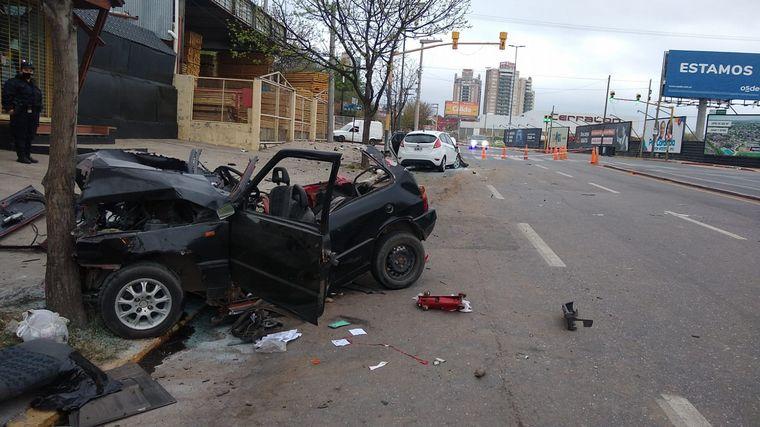 FOTO: El choque dejó destruido a uno de los vehículos.