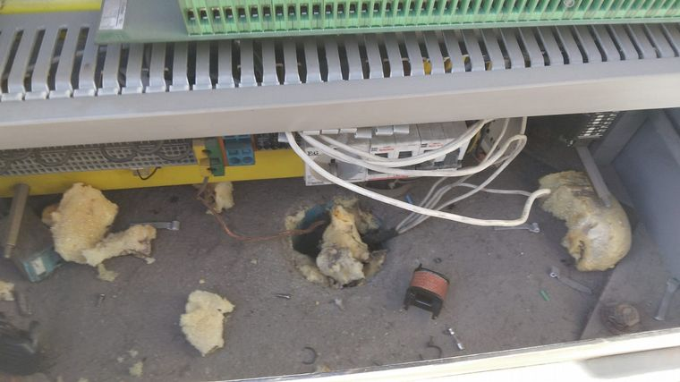FOTO: Robo de cables en los semáforos de Córdoba.