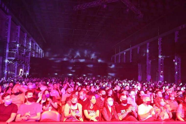 FOTO: El show de Las Pelotas en la Plaza de la Música