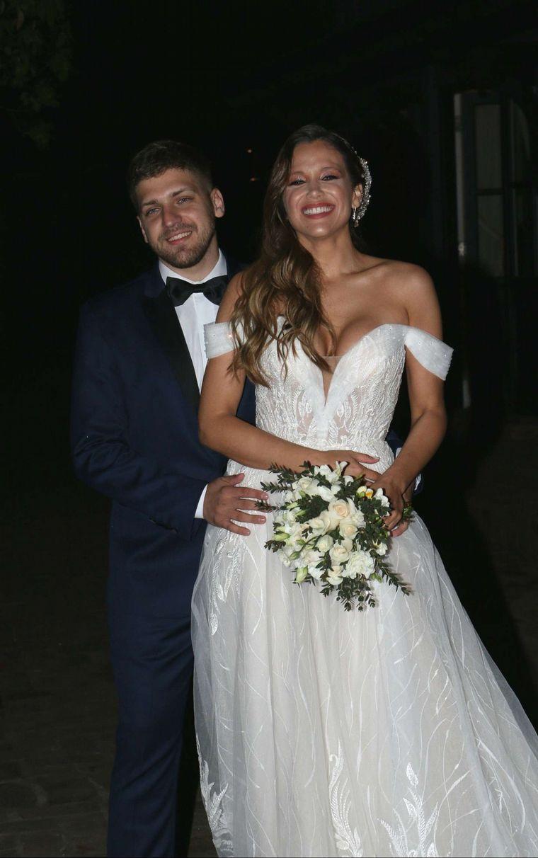 FOTO: Los looks elegidos para el casamiento de Barbie Vélez.