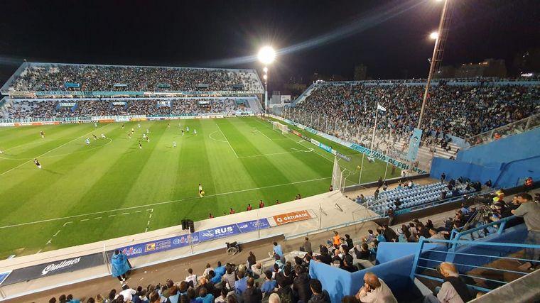FOTO: Los hinchas de Belgrano coparon las tribunas del