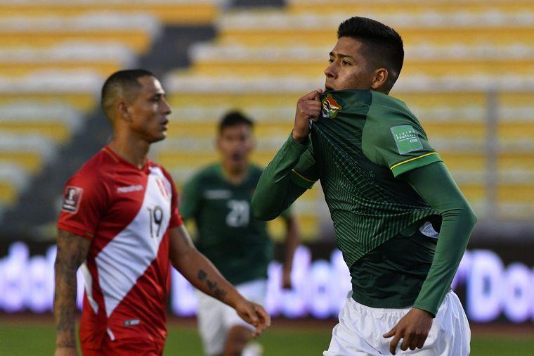 FOTO: Ramiro Vaca marco el único tanto del conjunto boliviano.