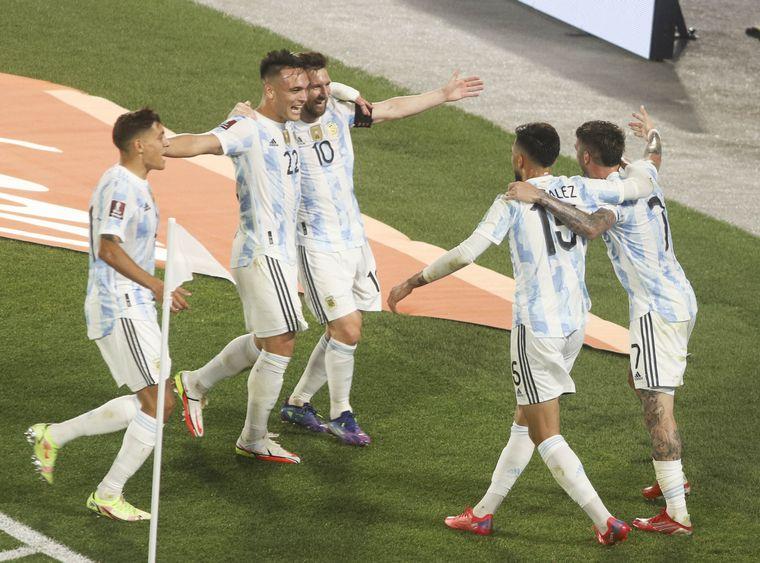 FOTO: Messi y De Paul, los autores de los tantos del equipo albiceleste.
