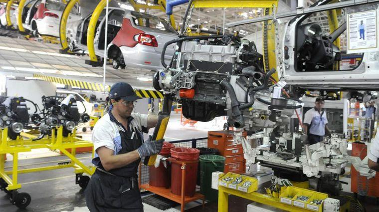 """Resultado de imagen para Smata: Fiat operará """"2 o 3 días a la semana"""" en septiembre"""