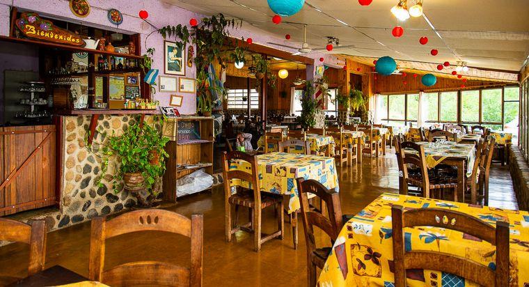 Un bodegón que honra a San Cayetano con el mejor pejerrey - Cadena 3