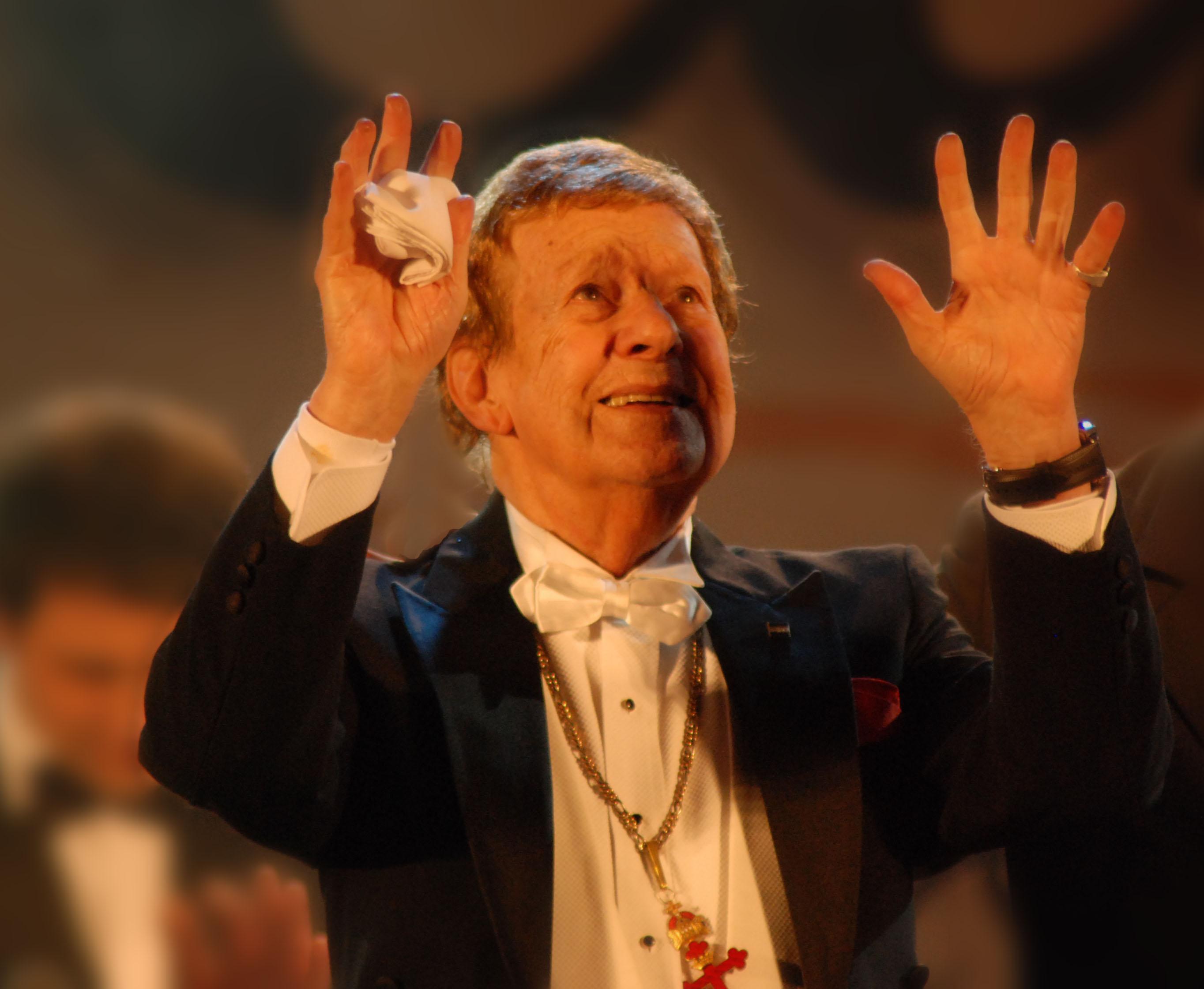 Falleció el maestro Mariano Mores.
